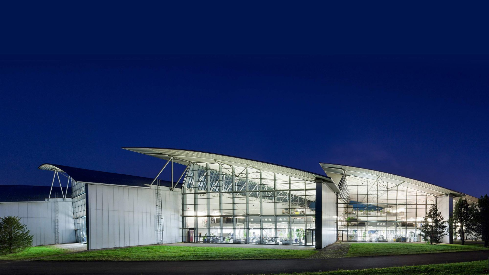 Світ Mercedes: місця знаходження Advanced Design Studios